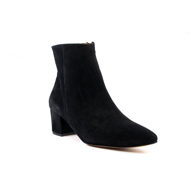 Glade fødder i sko fra Anonymous Copenhagen